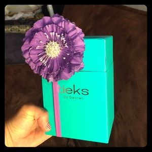 Tieks purple flower and box