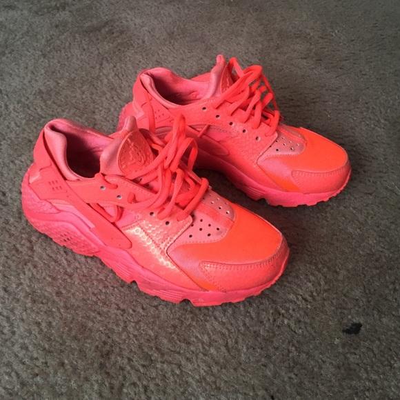 541d7678d08 Hot Lava Nike Huarache. M 55dcb9855c12f878f70293e7. Other Shoes ...