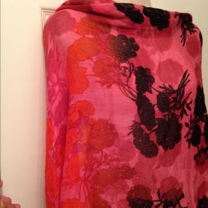71 cynthia rowley accessories gorgeous scarf by