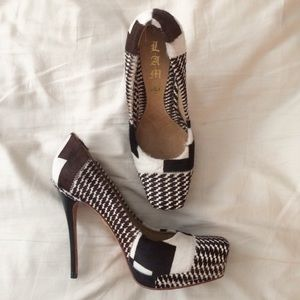 "L.A.M.B Patterned Calf Hair ""Juva Pump"""