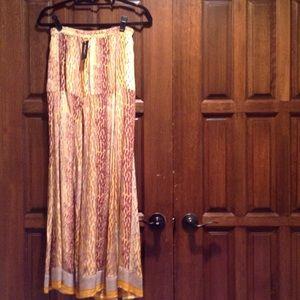 Tolani Dresses & Skirts - 🎀HP🎀Best in Dresses & Skirts!🎀Silk Maxi🎀