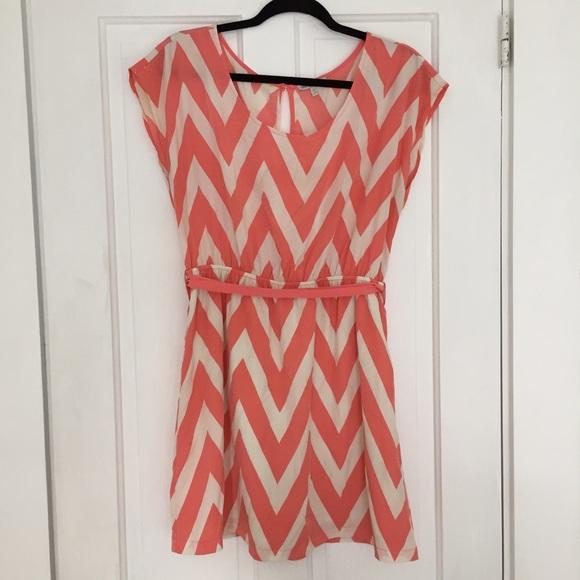 Charlotte Russe Dresses   Skirts - •• Charlotte Russe peach chevron dress   •  7ea8372ac