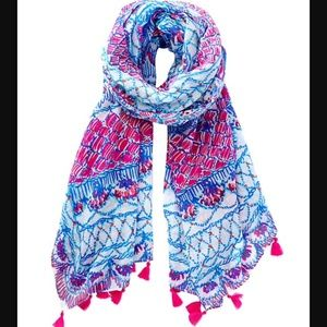 Lilly Pulitzer Accessories - 🆕LISTING! Lilly Pulitzer body scarf/ sarong