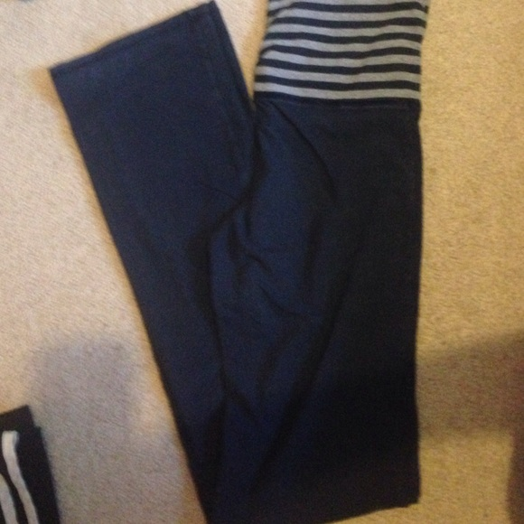 Navy Hollister Yoga Pants From