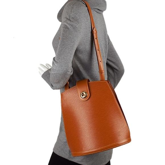 8b4aecee64fd Louis Vuitton Accessories - LOUIS VUITTON CLUNY EPI KENYAN SHOULDER BAG🎉