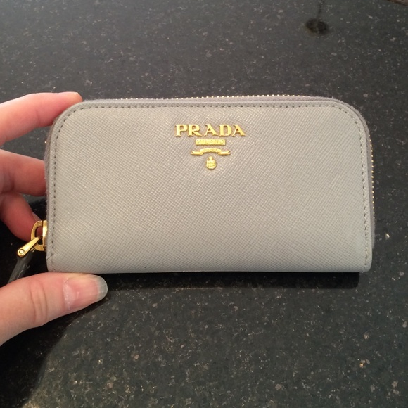8bed84a47ff0 ... coupon code for host pick prada key holder. authentic. 06304 8bb6b