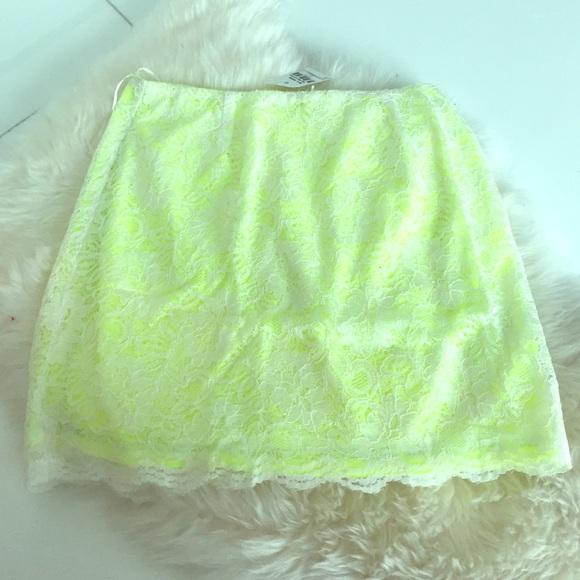 LF Dresses & Skirts - LF Lace skirt
