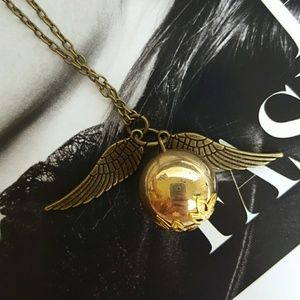 Jewelry - Golden snitch necklace