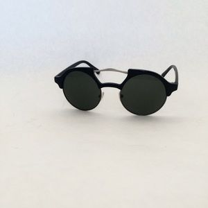Trendy Black Circle Frame Stylish Sunglasses.