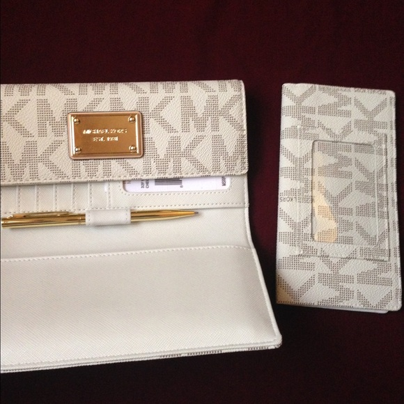 Business Size Checkbook Covers : Off michael kors handbags mk wallet and checkbook