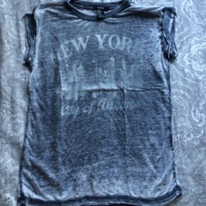 Forever 21 Tops - Heathered New York t shirt