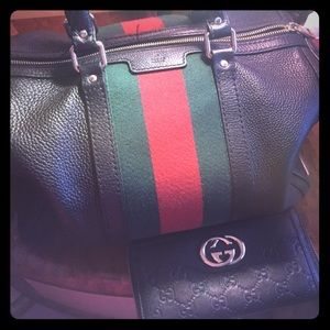 Gucci bag with Gucci wallet
