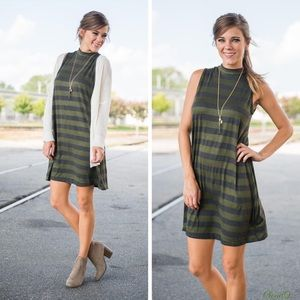Cloud 9 Dresses & Skirts - 🆕Fall in Style~Olive/Grey Tunic Dress