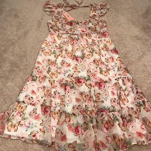 Lipsy London Dresses & Skirts - Trending🌸 NEW Lipsy London floral butterfly dress