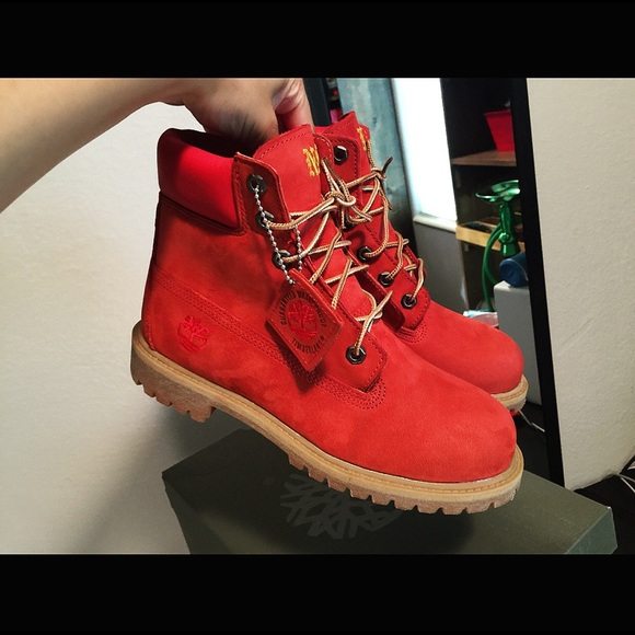 BRAND NEW IN BOX Red Timberland Boots 532f24494