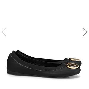PRICE FIRM Tory Burch Caroline black ballet flat