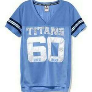 Iso: looking to buy in size l Titans Jersey NFL