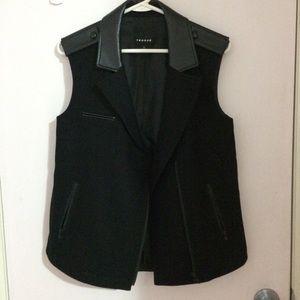 Trouvé black vest