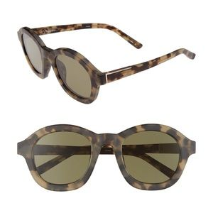 3.1 Phillip Lim Accessories - •3.1 PHILLIP LIM frosted t-shell round sunglasses•