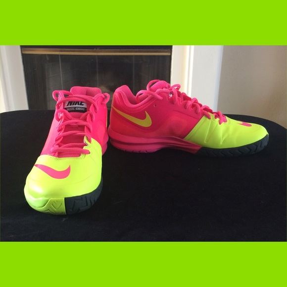 outlet store eda62 f843e Nike Dual Fusion Ballistec Advantage Women s Shoe.  M 55df7d2541b4e099a500d37d