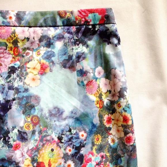 74 h m dresses skirts h m floral print pencil