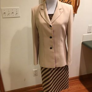 Le Suit Jackets & Blazers - 🎉HP🎉Le Suit Jacket SZ 8🌹Simply Gorgeous