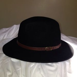 d7743da16d735 ... 100% Wool black hat made in Italy .brown detail ...