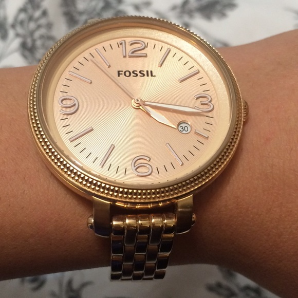 10 off fossil jewelry rose gold fossil watch from lena 39 s closet on poshmark. Black Bedroom Furniture Sets. Home Design Ideas