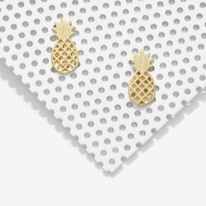 NWT Stella & Dot Pineapple Stud Earrings (RARE)