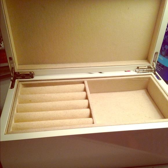 13 off max studio other max studio jewelry box from