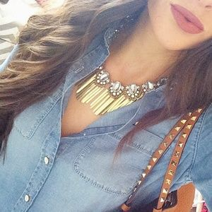 NWT Crystal & Fringe Statement Necklace