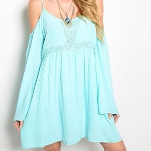 Dresses & Skirts - 🍃Mint  boho dress with lace trimming