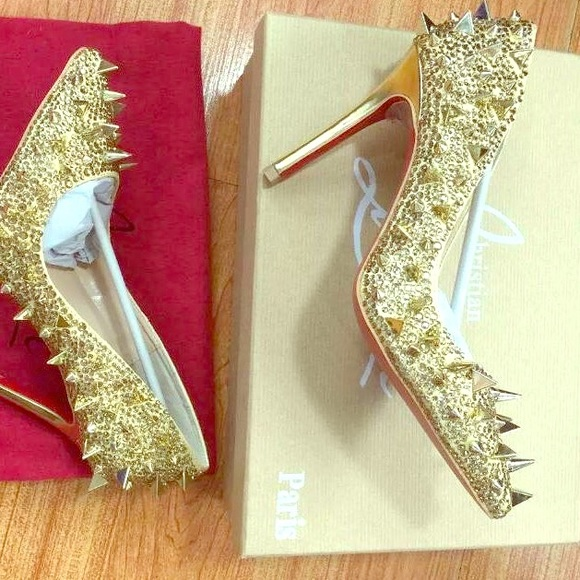 057c1d8790e Red bottoms with the spikes on the sides. Size6