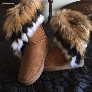 Furry tan boots