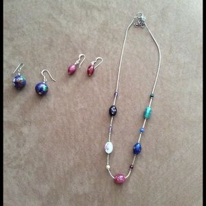Jewelry - Glass flower bead necklace & earring set
