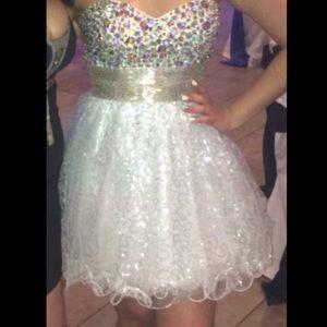 La Femme Dresses & Skirts - Looking to get rid of ASAP!!! Sweet 16 short dress