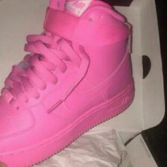 le scarpe nike air force one poshmark rosa personalizzato