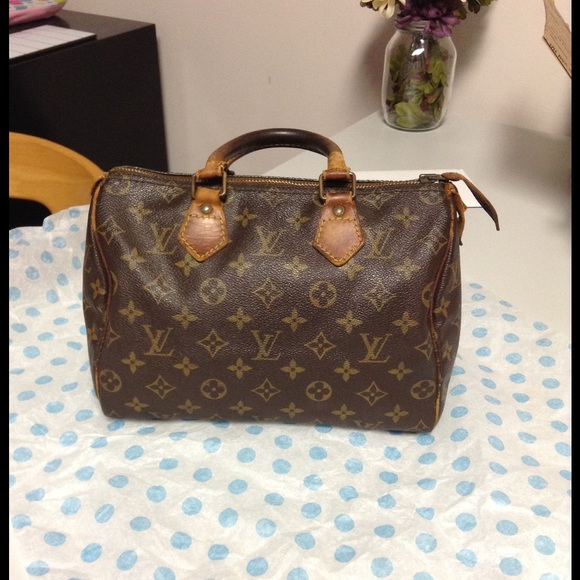 fb07aa4f7534 Louis Vuitton Handbags - 🎉Authentic Louis Vuitton Monogram Speedy 25🎉