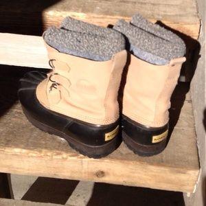 Shoes - Sorrel Winter Boots size 9 women's-NTN. EXCELLENT!