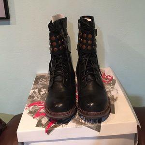 Rebels Proper Black Short Boot