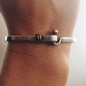 Tiffany and Co 18k gold hook and eye bracelet