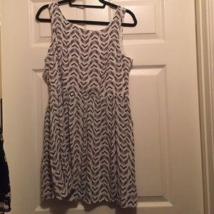 Target xhilaration XL pattern dress