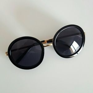 Accessories - Retro circle sunglasses
