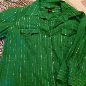 Green shirt with gold lines