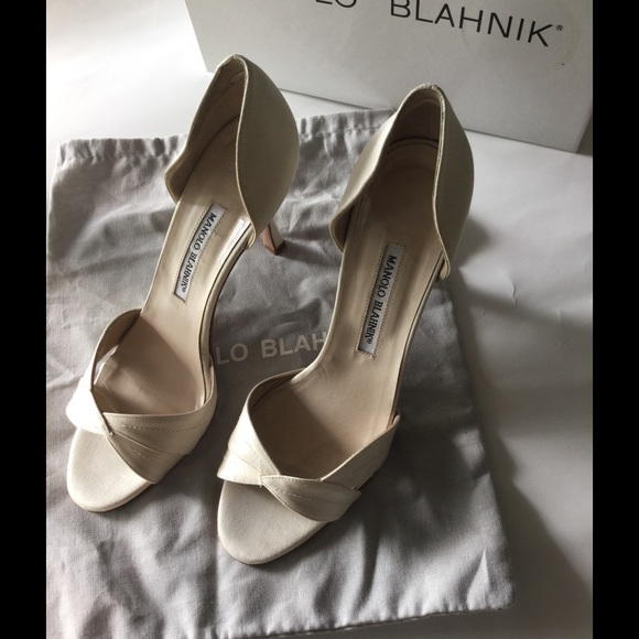 ed3e6ff532 Manolo Blahnik Shoes | Dorsay Satin Pearl White Pumps | Poshmark