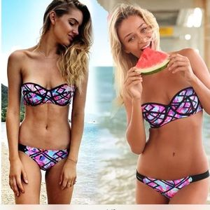 Gorgeous Colorful Strapless Bikini🍉