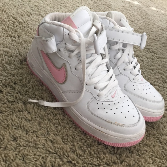 quality design 835ab 89b96 pink air force ones