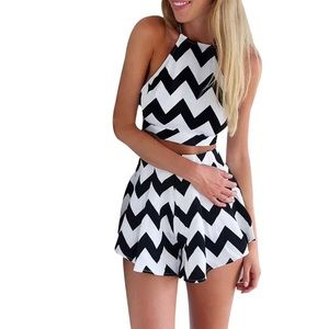 New Gorgeous Chevron Crop Halter 2 Piece Set ❤️