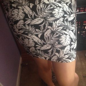 H&M palm tree mini skirt