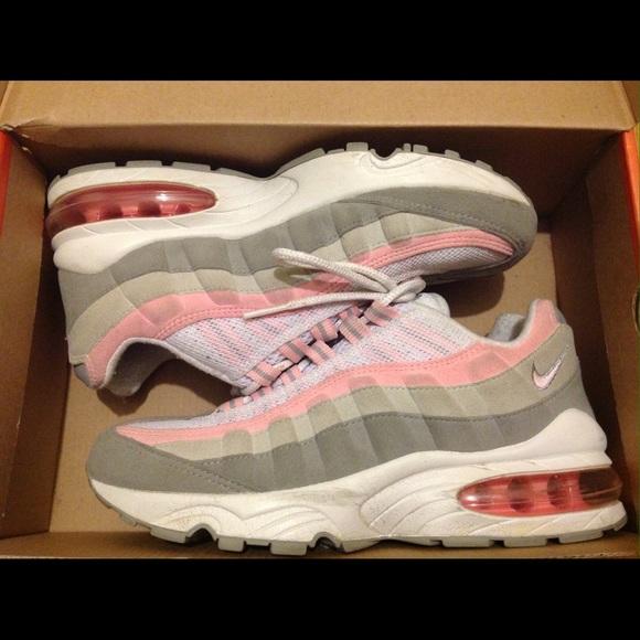 Nike Air Max 95 LE (GS). M 55e2772f8e1c61d1f3009530 c57afa73e